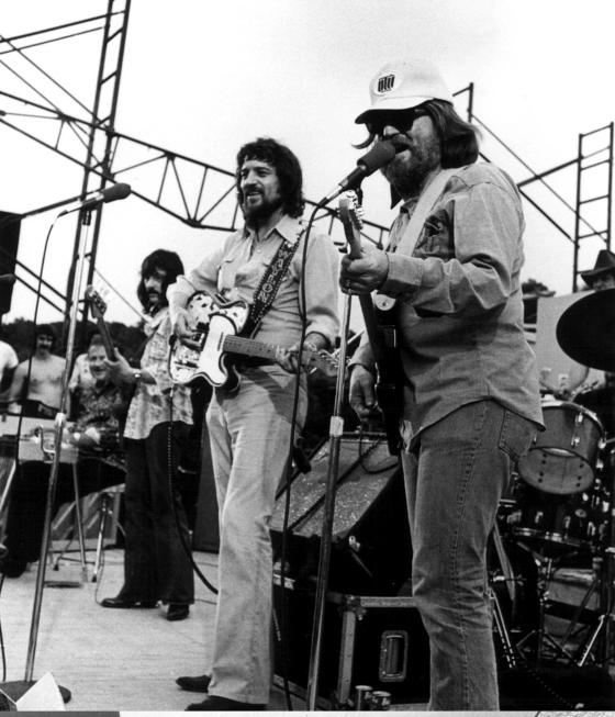 Waylon Jennings and Willie Nelson playing at the Bull Creek Party Barn in 1975