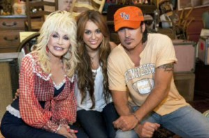 miley-cyrus-billy-ray-cyrus-dolly-parton-25-years-of-dollywood-jolene-duet
