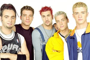 LOS ANGELES, CA - AUGUST 1999: *NSYNC, (clockwise L) Chris Kirkpatrick, JC Chasez, Joey Fatone, Lance Bass and Justin Timberlake sit for a portrait in Los Angeles 1999. (Photo by Bob Berg/Getty Images) *** Local Caption *** Chris Kirkpatrick;Justin Timberlake;Joey Fatone;Lance Bass JC Chasez