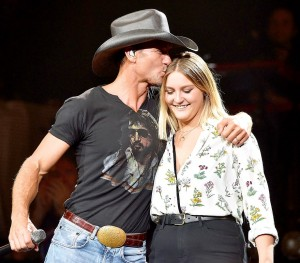 1439903983_484340666_tim-mcgraw-gracie-mcgraw-zoom
